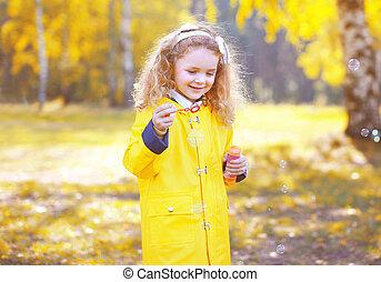 peu, positif, enfant, parc, automne, dehors, amusement, avoir