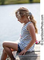 peu, séance, bois, irrigation, eau lac, plate-forme, quoique, feet., girl, rivière, ou