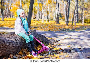 peu, scooter, parc, automne, girl, heureux