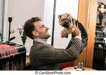 peu, sien, chien, tenant mains, homme
