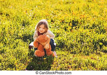 peu, vieux, teddy, très, ensoleillé, ours, années, 3, dehors, girl, adorable, jouer, jour