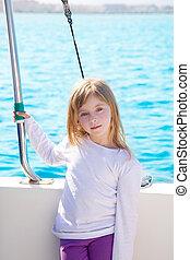peu, voile, blonds, fille souriant, bateau, gosse