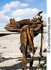 pferdesattel, auf, ländlich, zaun