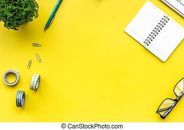 pflanze, bürochef, bürovorsteher, arbeitsplatz, tastatur, brille
