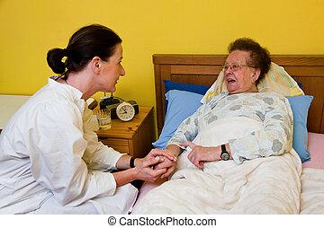 pfleger, 老婦女, 在, a, 保育, 關心