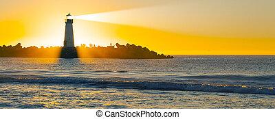 phare, à, pinceau lumineux, à, coucher soleil