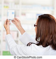 pharmacien, chimiste