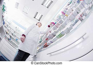pharmacien, chimiste, position femme, dans, pharmacie, pharmacie