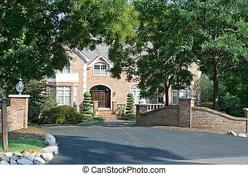 philadelphia, hus, förorts-, ensam släkt, grind, landskapsarkitektur, inramat, pa., omfattande, lyx, träd.