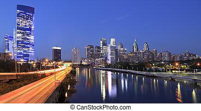 philadelphia, skyline, an, dämmerung