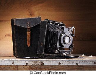 bois ancien appareil photo ancien fond bois il isol photographies de stock. Black Bedroom Furniture Sets. Home Design Ideas
