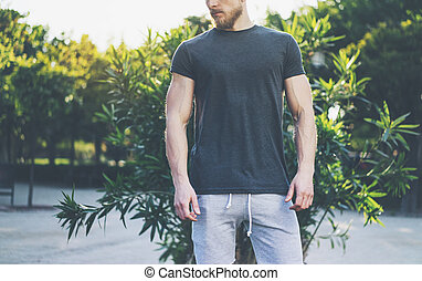 Photo Bearded Muscular Man Wearing Black Empty t-shirt and...