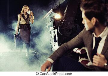photo, couple, amende, station, ferroviaire, réunion