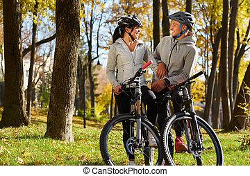 photo, couple, vélo, amusement, avoir, rétroéclairage