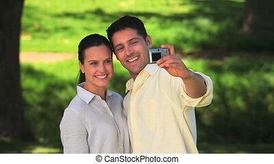 photo, eux-mêmes, couple, prendre