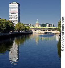 famous dublin city landmark in ireland - photo famous dublin...