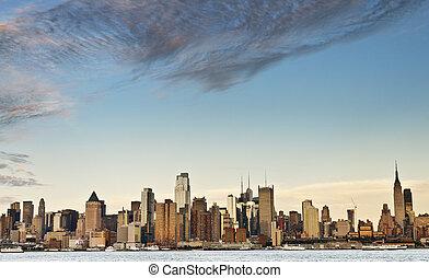 new york city skyline over hudson river