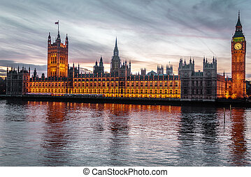 Sunset at the Big Ben in London, England