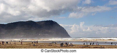 Seaside, Oregon - Photo of the beautiful beach at Seaside, ...