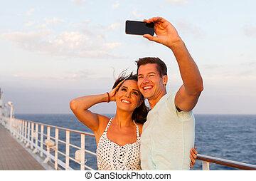 photo prenant, couple, eux-mêmes, croisière