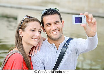 photo, prendre, appareil photo, numérique, eux-mêmes, couple