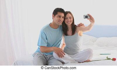 photo, séduisant, couple, prendre