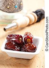 dryed dates