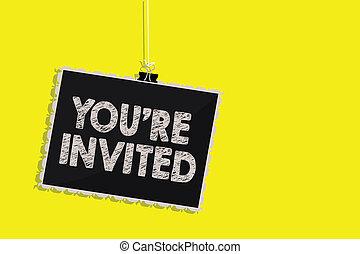 photo, signe jaune, pendre, notre, message, invited., invité, arrière-plan., s'il vous plaît, écriture, note, re, communication, vous, être, business, tableau noir, projection, accueil, célébration, joindre, nous, showcasing