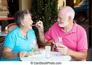 photo, stockage, couples aînés, date