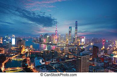 photographie aérienne, à, shanghai, bund, horizon, de, crépuscule