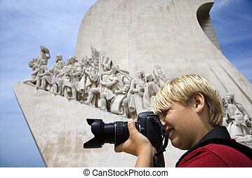 photographing., ragazzo