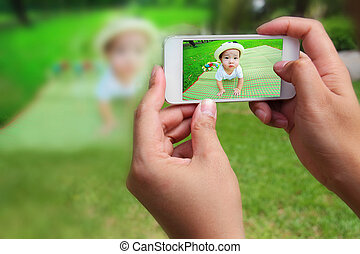 photography - Asian boy with mobile photography