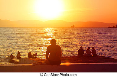 Photos of a beautiful sunset on the sea