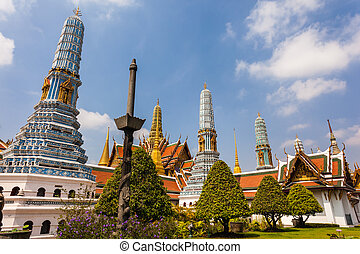 Phra Asada Maha Chedi - famous Prangs in the Grand Palace in...