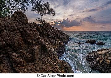 phuket, thailand., vista, plátano, playa, punto, paisaje, ...