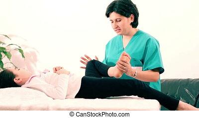 physiothérapie, jambes, enfants