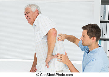 physiotherapist, 人, 檢查, 背, 年長者, 男性