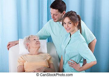 physiotherapists, klesten, met, patiënt