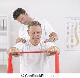 physiotherapy:, starszy człowiek, fizykoterapeuta