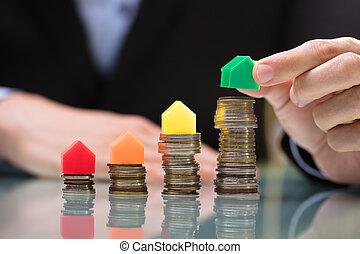 pièces, empilé, maison, sommet, placer, personne affaires, vert, modèle