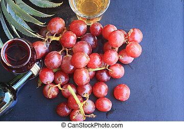 piña, uva, vino