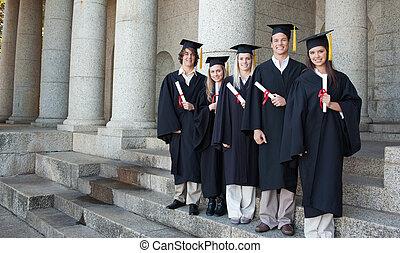 piątka, absolwenci, przedstawianie, szczęśliwy