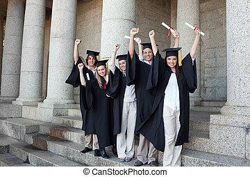 piątka, podniesiony, absolwenci, przedstawianie, herb, szczęśliwy