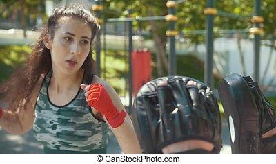 piękna kobieta, boks, słoneczny, młody, outdoors, sapie, uczeni, dzień, człowiek