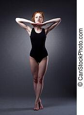 piękna kobieta, lekki, garnitur, stać, pod, sport