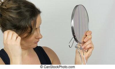 piękna kobieta, młody, wielki, studio, spojrzenia, tło, lustro, portret, biały, okrągły