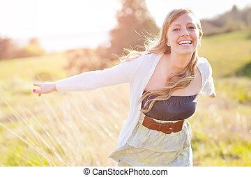 piękna kobieta, na wolnym powietrzu, kaukaski