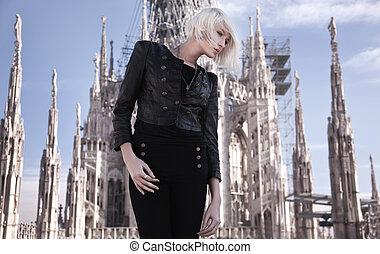 piękna kobieta, przedstawianie, młody, blond