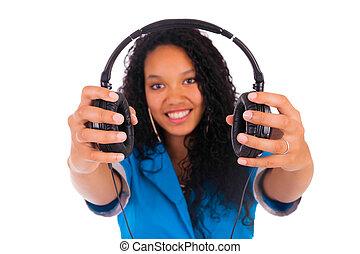 piękna kobieta, słuchawki, odizolowany, czarnoskóry, słuchający, portret, muzyka
