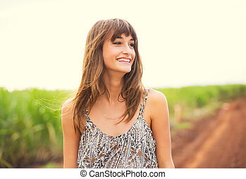 piękna kobieta, styl życia, śmiech, fason, uśmiechanie się